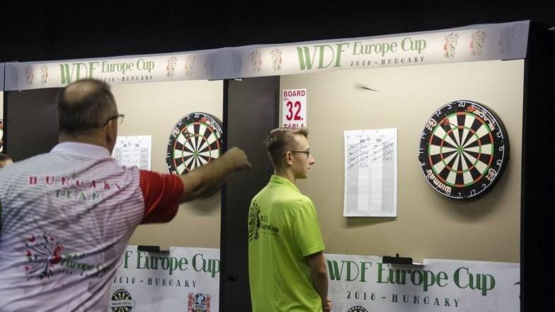 Darts Eb – A férfi csapat a negyeddöntőre készül
