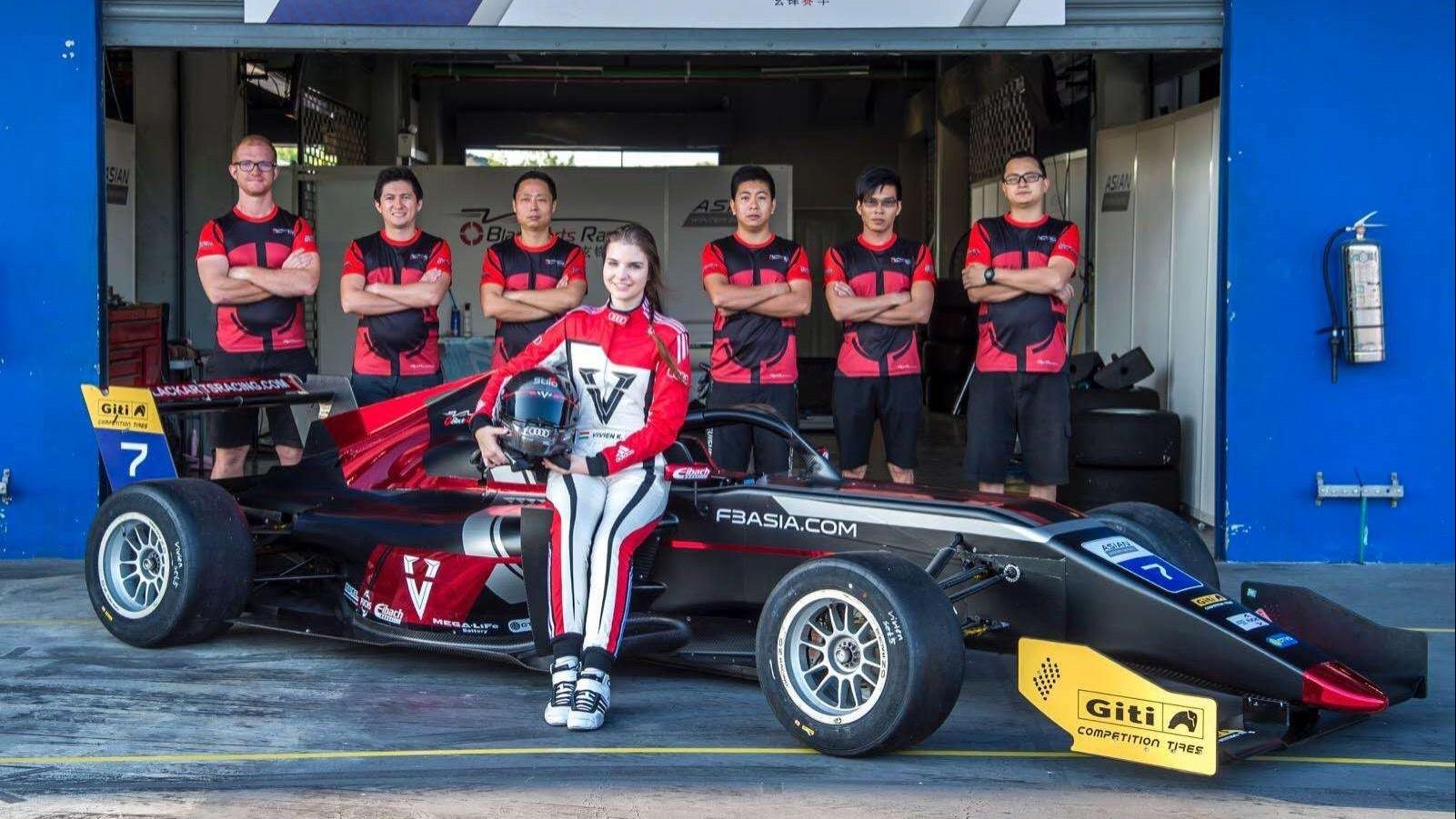 Óriási magyar siker a Formula 3-ban