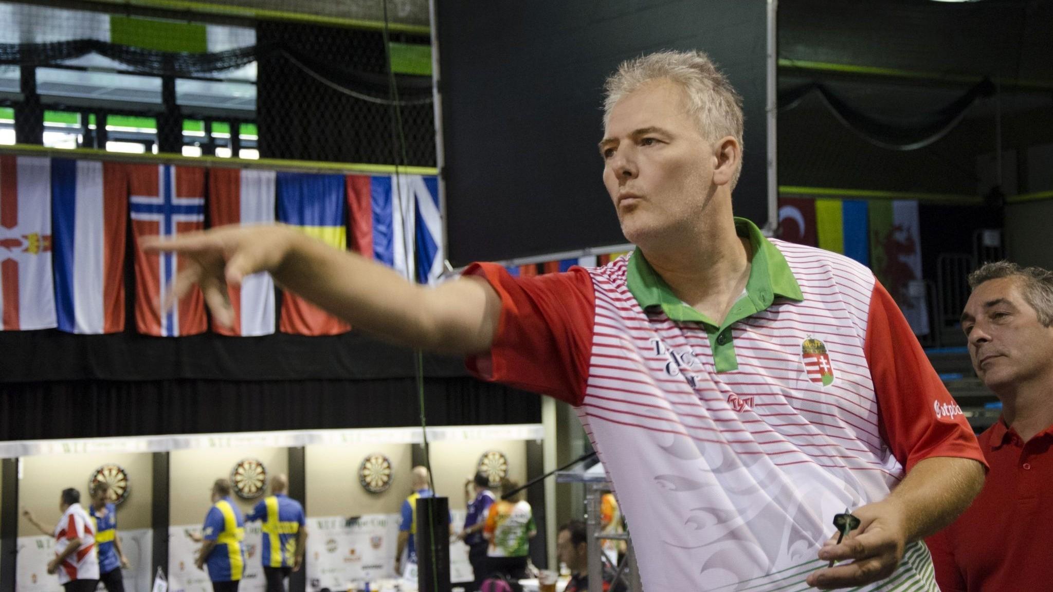 A címvédők domináltak a dartsos szezonnyitón