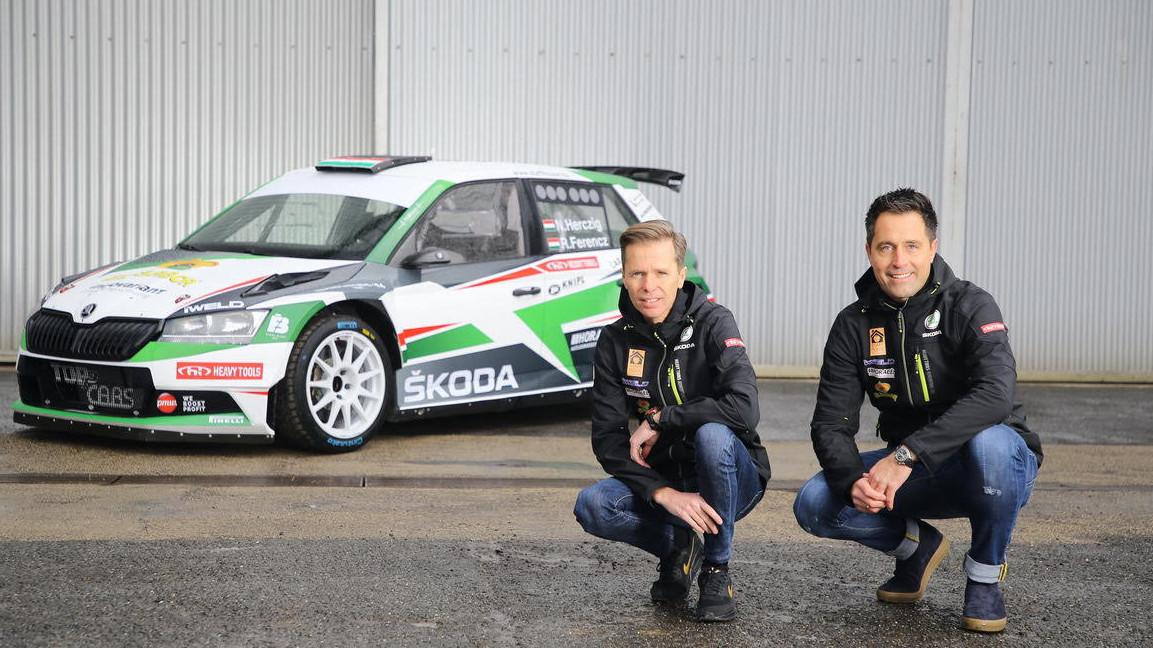 Új szezon - új autóval és új csapattal