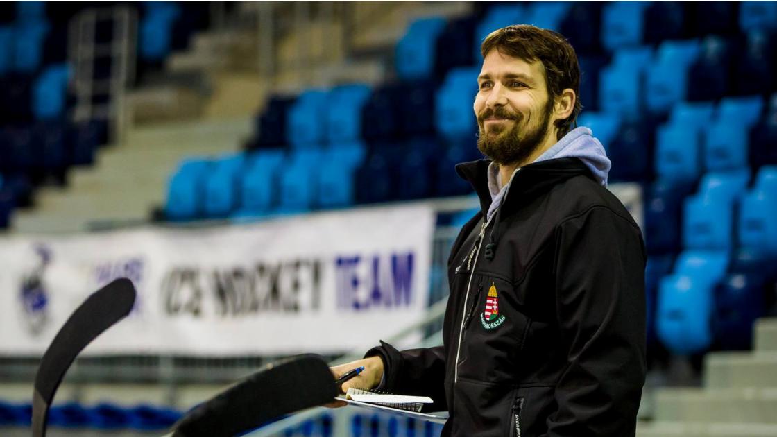 Tokaji Viktor a DVTK Jegesmedvék vezetőedzője