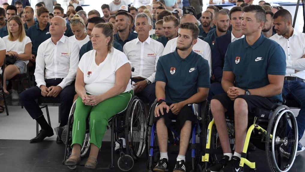 Bemutatkozott a vb-re készülő magyar válogatott