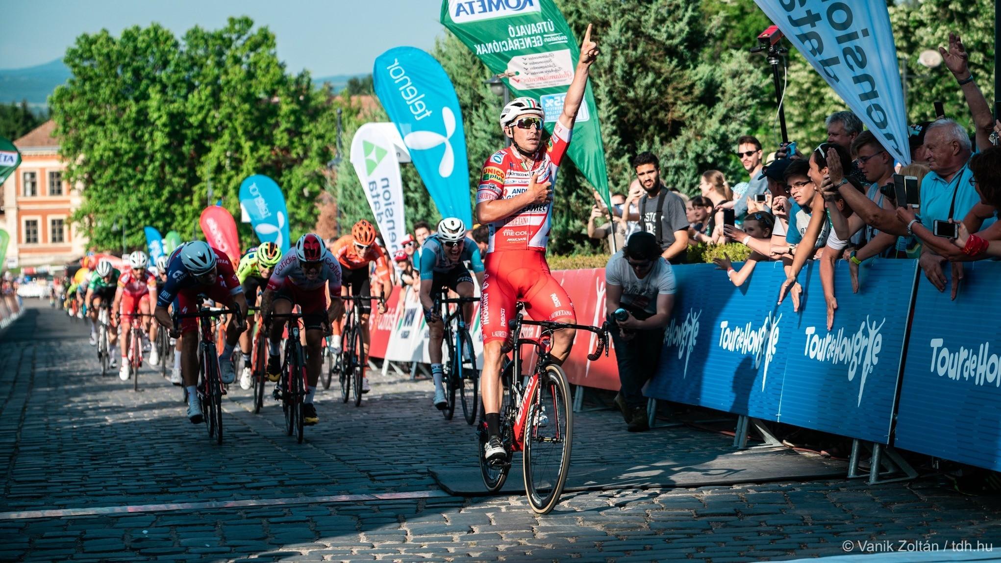 Tour de Hongrie - Belletti ünnepelt és élre állt az esztergomi Bazilikánál