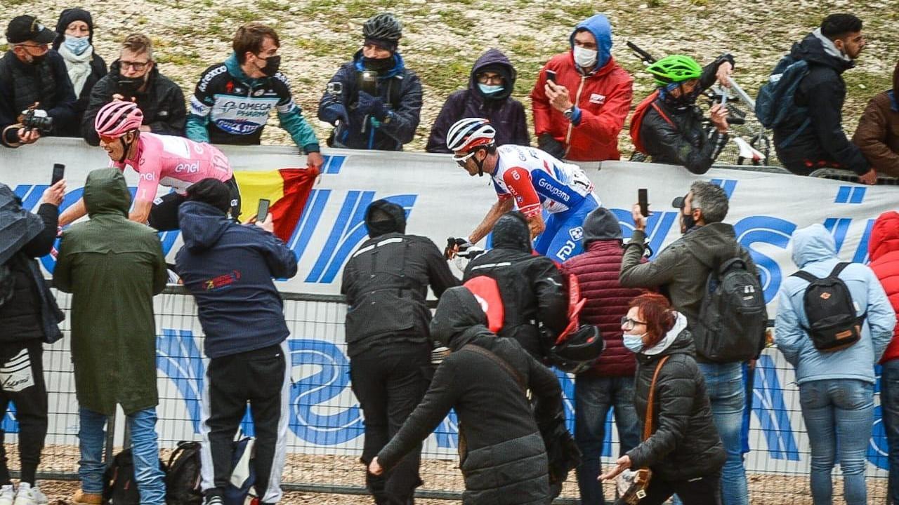 Valter tartja 12. helyét a Giro d'Italia pénteki etapja után