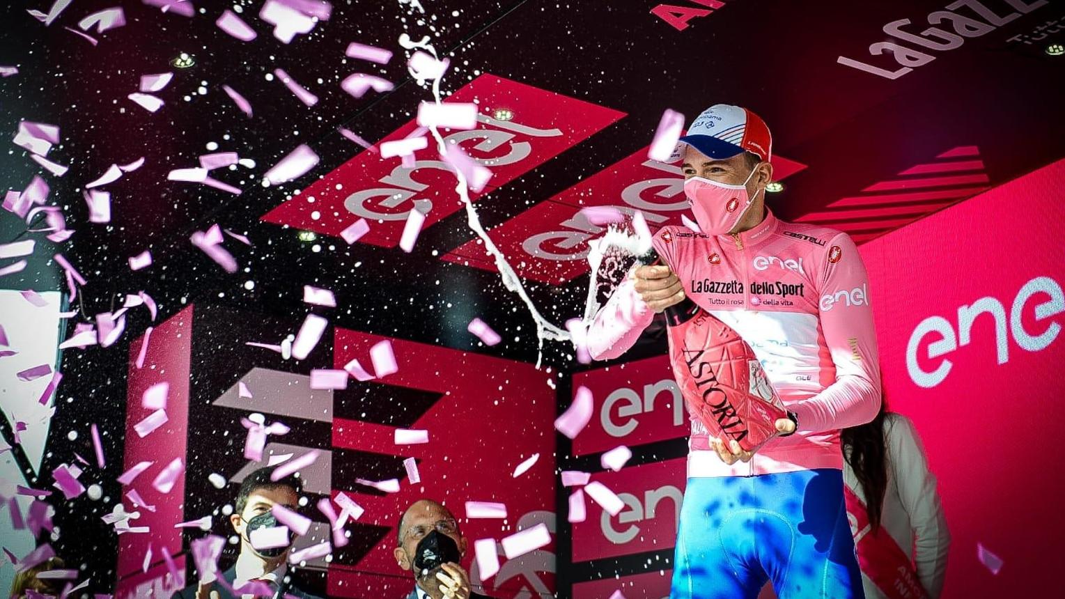 Valter megőrizte az élen állónak járó rózsaszín trikót