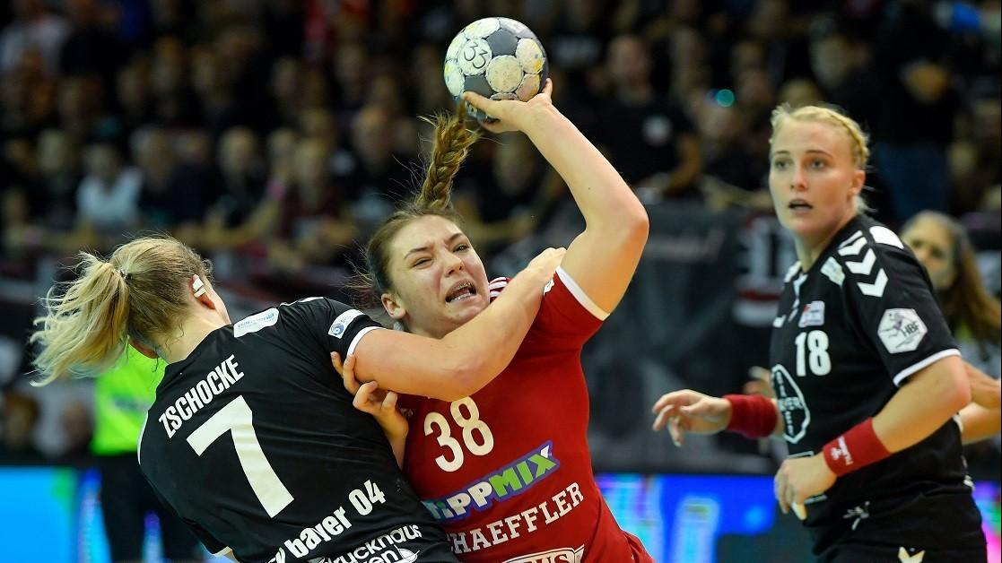 Győzelmek a női, vereség de továbbjutás a férfi EHF Kupában