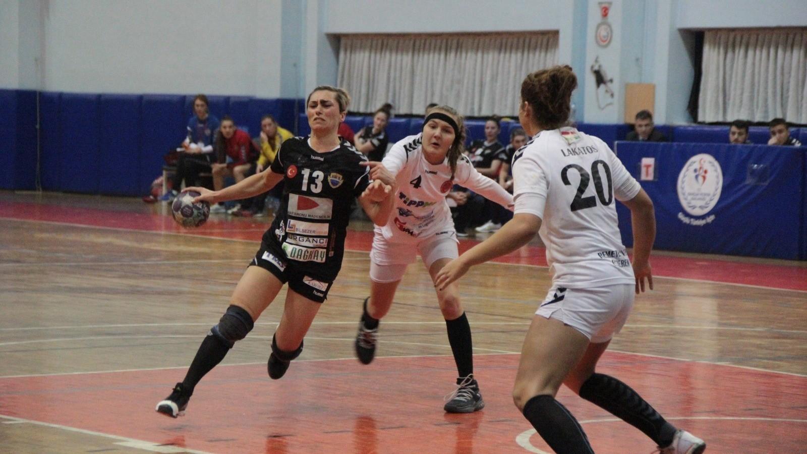 Török ellenfél ellen kapott ki a Vác az EHF Kupában