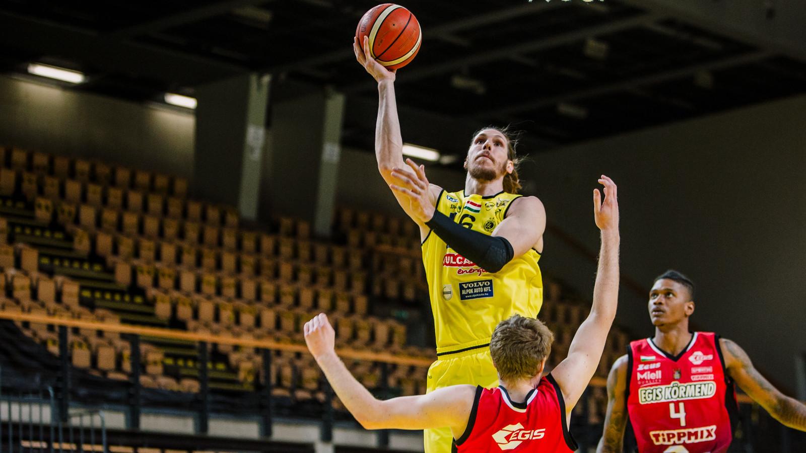 Ketten már az elődöntőben a férfi kosárlabda bajnoki rájátszásban