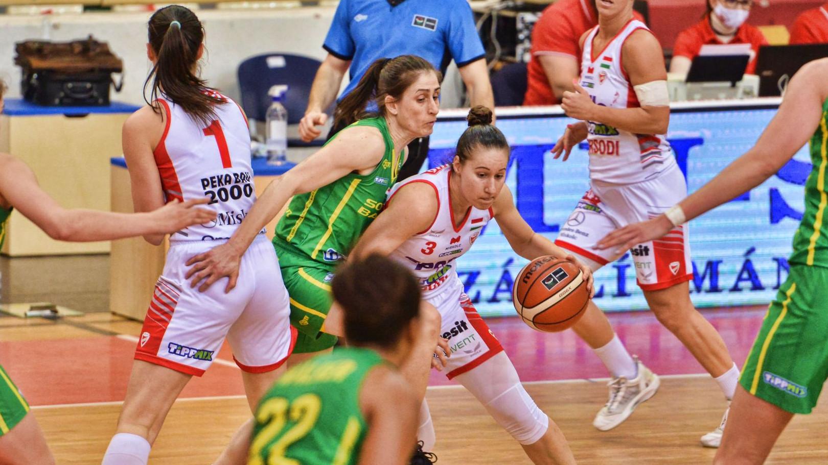 Esélyesebbek győzelmei a női kosárlabda elődöntőkben