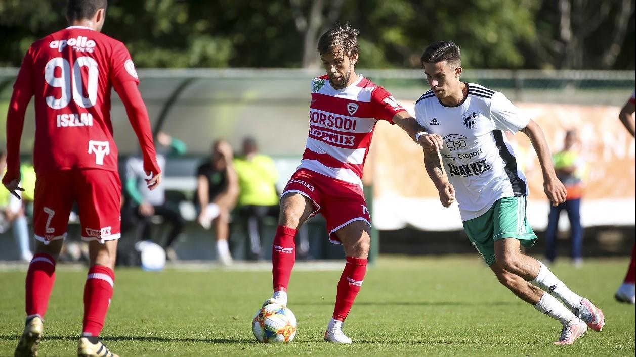 Minden első osztályú csapat továbbjutott a labdarúgó Magyar Kupa szombati mérkőzésein