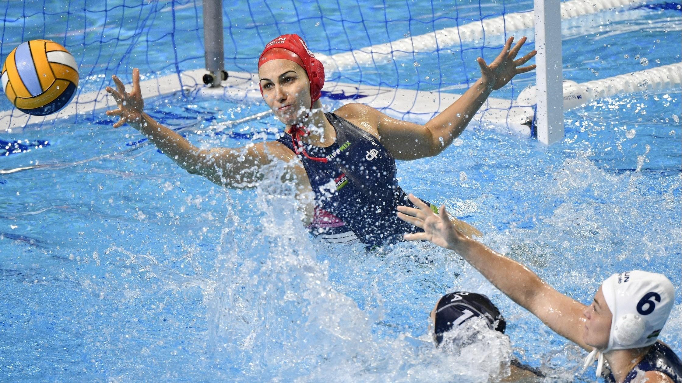 Jöhet az elődöntő a magyar női vízilabda válogatottnak a kontinenstornán