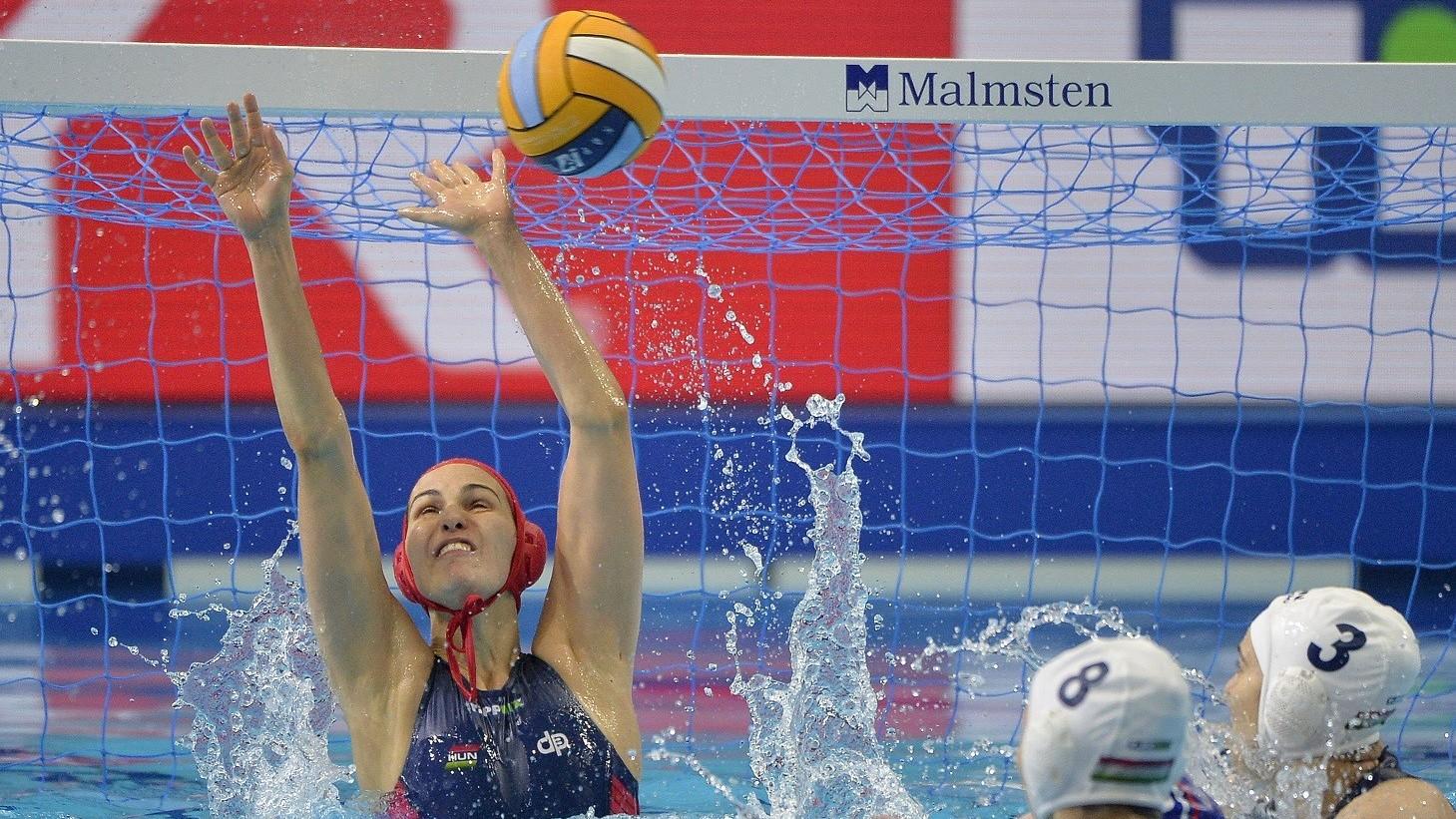 Negyeddöntős a női válogatott a vízilabda Eb-n